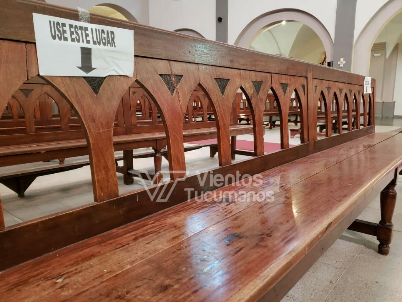 misa catedral iglesia banco protocolo