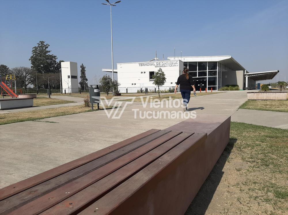 Plaza plazoleta terminal de ómnibus concepción