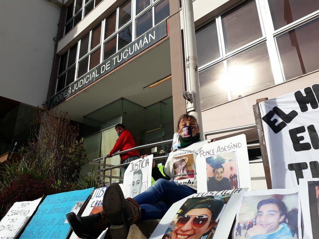 imelda tripke charly concepcion marcha tribunales manifestacion